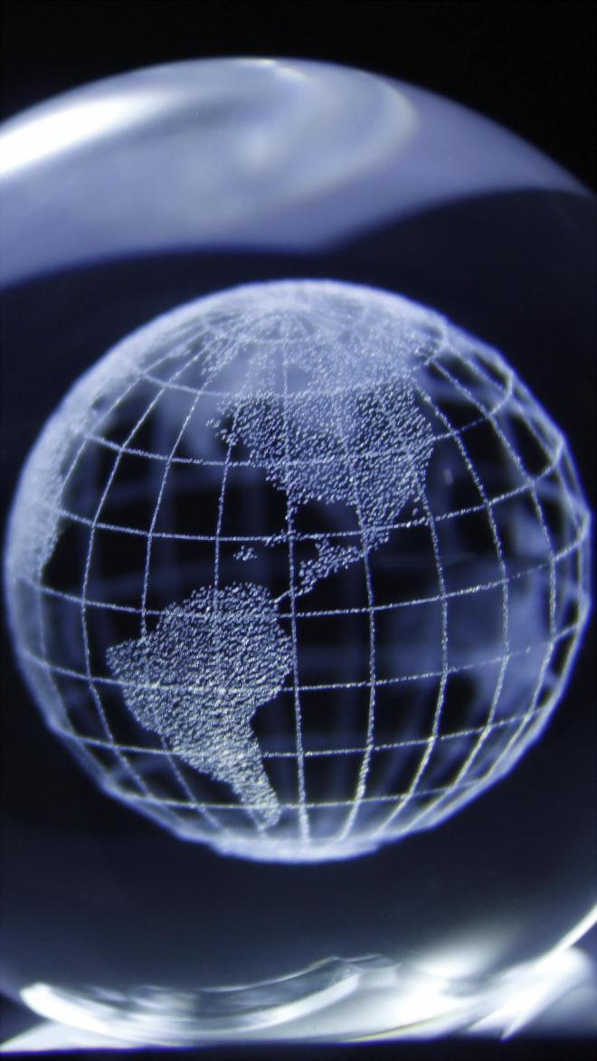 Crystal_Globe-9b719379-69f0-4dac-a538-f9e581de9f17